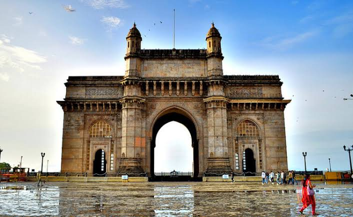 Places to Visit Near Gateway of India