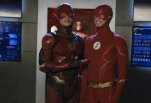 Photo of Ezra Miller's Cameo on Arrowverse Crisis Sets Up His 'The Flash' Movie