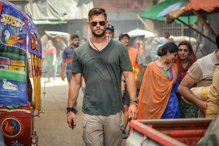 First Look at Chris Hemsworth in Extraction