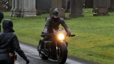 Photo of The Batman – Full Look at Batsuit, Batcycle & Catwoman Revealed