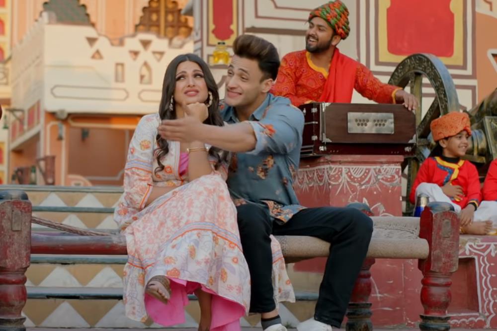 Kalla Sohna Nai Neha Kakkar Mp3 Download