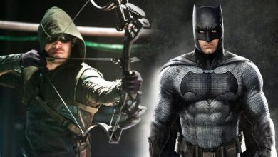 Stephen Amell Green Arrow and Ben Affleck Batman