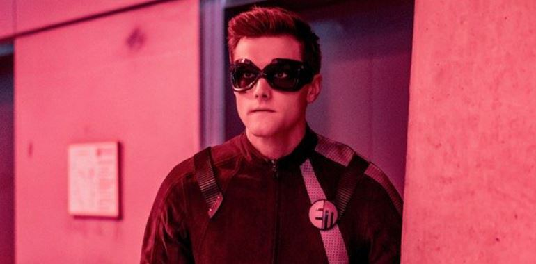The Flash – Elongated Man Actor Fired for Misogynist & Racist Tweets