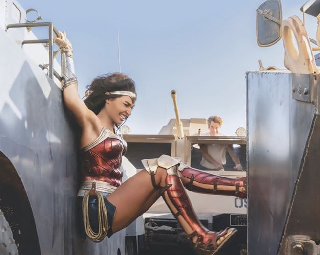 6 Exclusive New Images from Wonder Woman 1984 Released