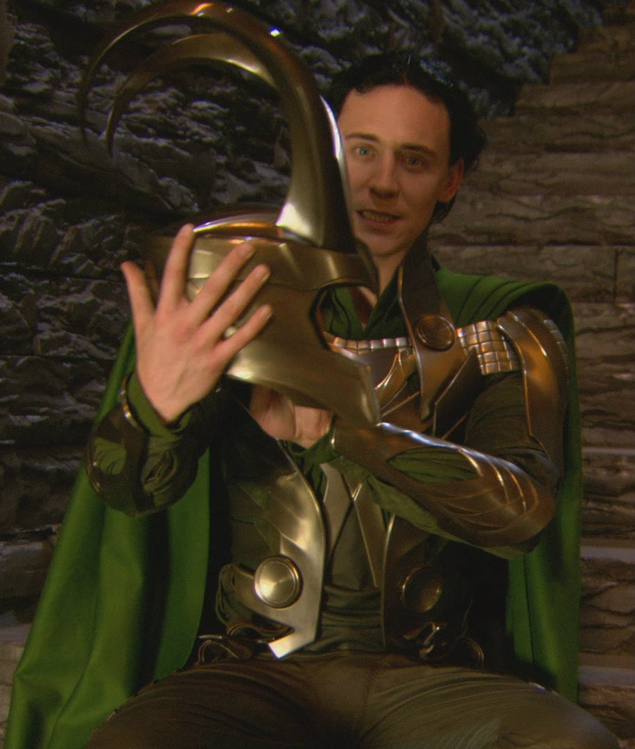 Unseen Pictures of Loki From Film Sets
