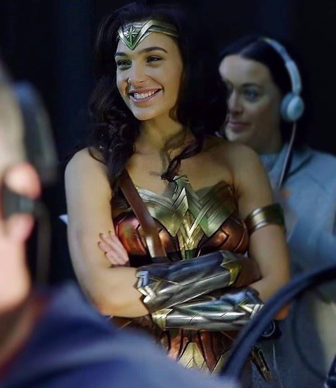 Best Wonder Woman Set Photos