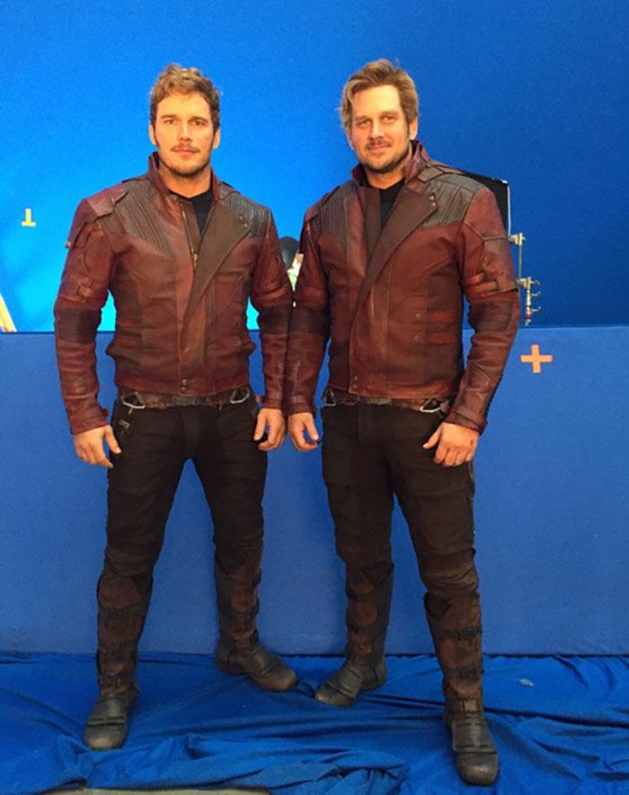 https://www.quirkybyte.com/wp-content/uploads/2020/09/marvel-avengers-actors-stunt-doubles-5afed73a0d2b4__700.jpg