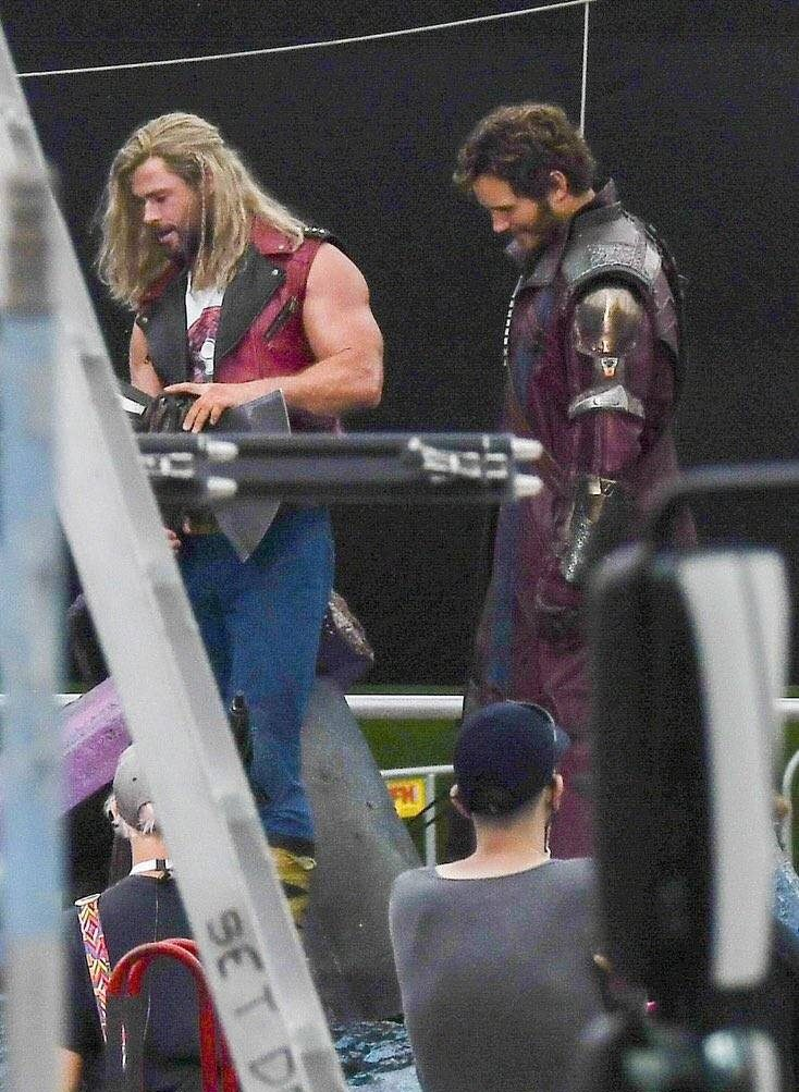 Thor 4 Set Photos Show Nebula Along With A Mystery Character
